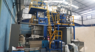 Warmly celebrate Mexico FDY polypropylene yarn machine install and test running successfully